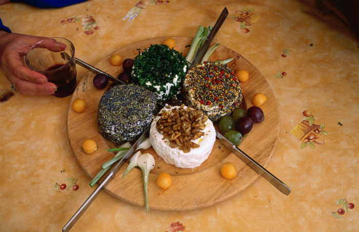 Goat cheese dish at a restaurant in Saint-Léon-sur-Vézère in the Dordogne © Roberto Soncin Gerometta - Getty Images