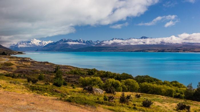 Cesta k Mt. Cook podél jezera Pukaki